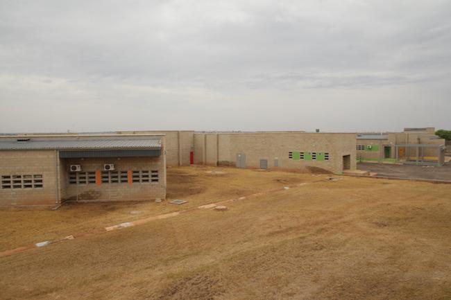 Bila-Civils-Contractors-Prison00009