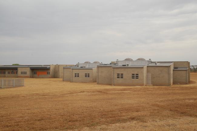 Bila-Civils-Contractors-Prison00012