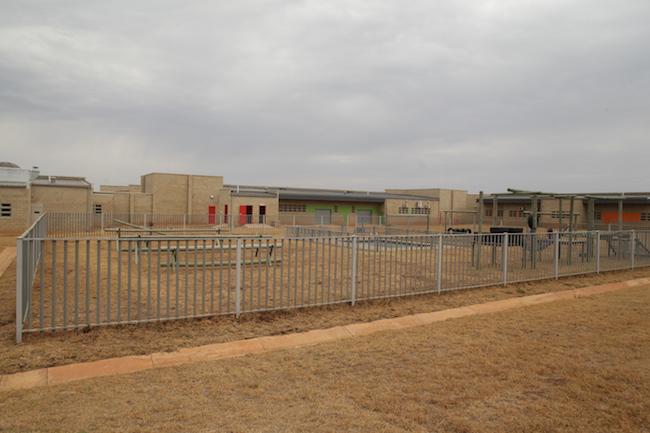 Bila-Civils-Contractors-Prison00013